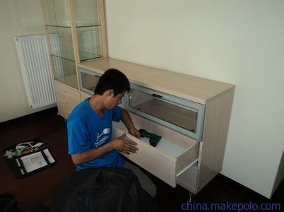 电视柜拆卸
